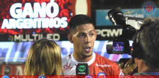 'Argentinos Juniors', 'La Paternal', 'Argentinos Pasión', 'Semillero del Mundo', 'Bichos Colorados', Quiroga, 'Mauro Quiroga', debut, 'debut y gol'